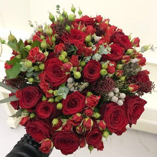 Букет из красных роз: букеты цветов на заказ Flowwow