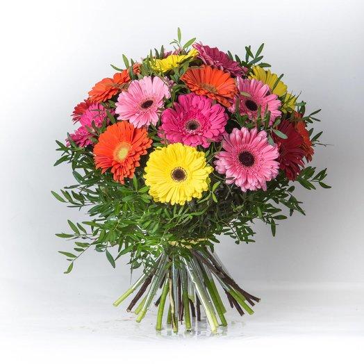 Букет из разноцветной герберы: букеты цветов на заказ Flowwow