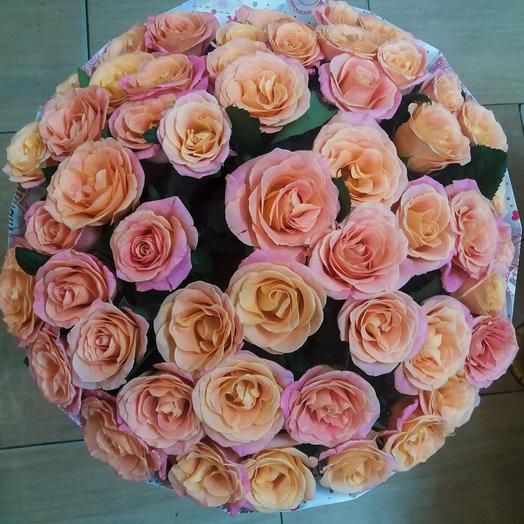 Букет из 51-ой розы в крафте