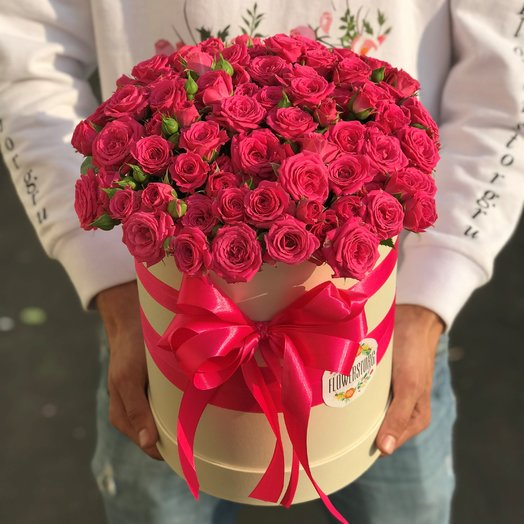 Коробки с цветами. Кустовые розы. N236: букеты цветов на заказ Flowwow