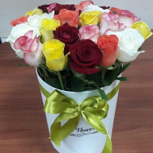 Розы в коробке: букеты цветов на заказ Flowwow