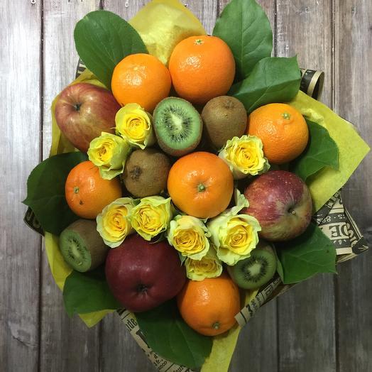 Фрукты и розы: букеты цветов на заказ Flowwow