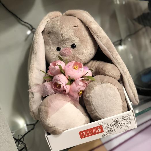 Зайка Ми с букетом роз: букеты цветов на заказ Flowwow