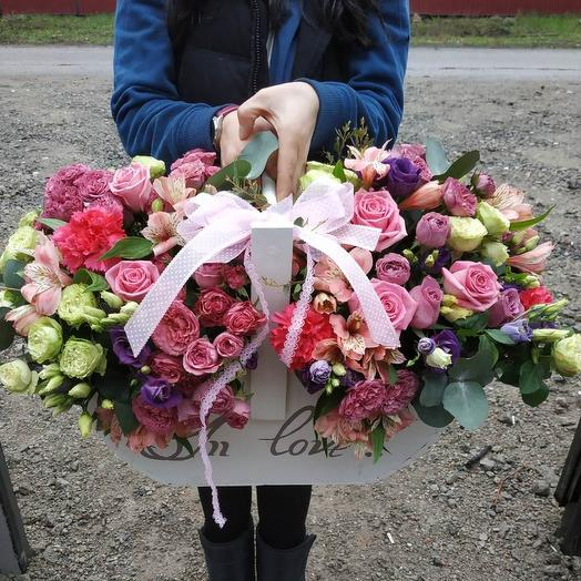 Деревянный ящик цветов: букеты цветов на заказ Flowwow