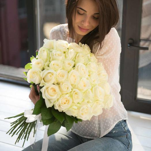 Белые большие розы 19 шт