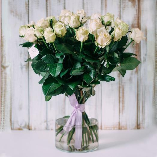 Букетик 17 белых роз