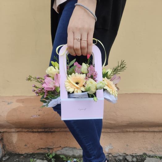 Нежная коробочка с гермини: букеты цветов на заказ Flowwow