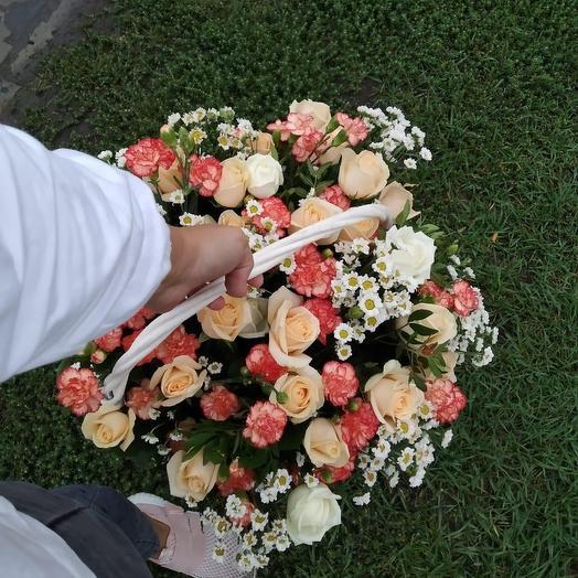 Большая корзина с цветами: букеты цветов на заказ Flowwow