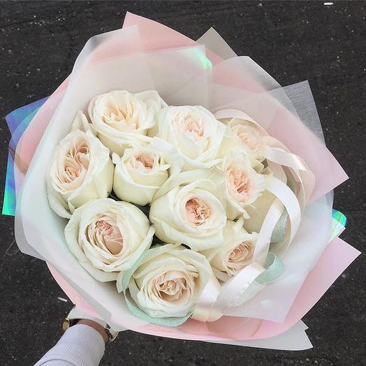 Букет из 11 пионовидных парфюмированных роз Вайт охара