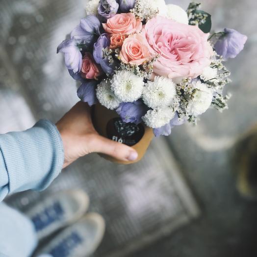 Композиция в стаканчике: букеты цветов на заказ Flowwow