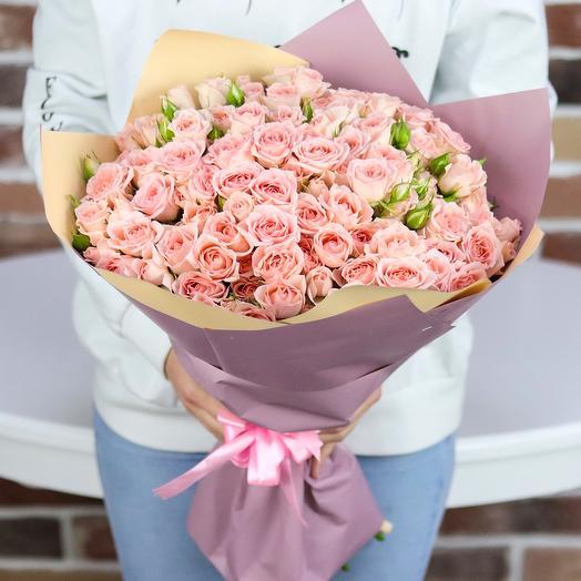 Букет из 25 веточек розовой кустовой розы. N724