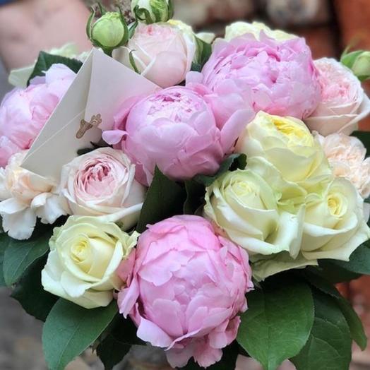 Букет из роз и пионов: букеты цветов на заказ Flowwow