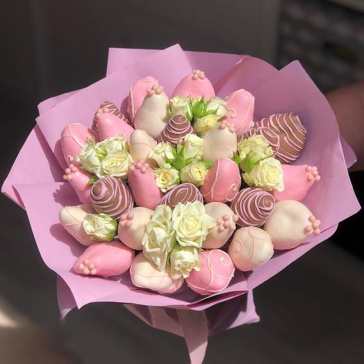 A bouquet of Chocolate-covered Strawberries and Spray Roses