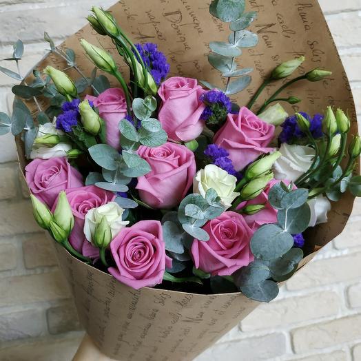 Сборный букет с розой и эустомой