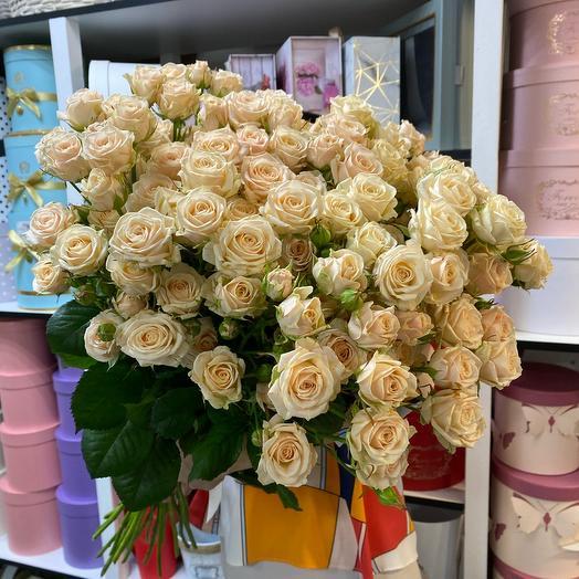 Кустовые розы «Яна»