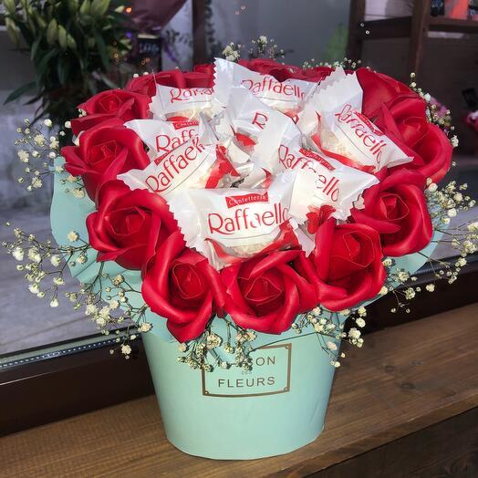 Букет из мыльных роз и конфет Сладость