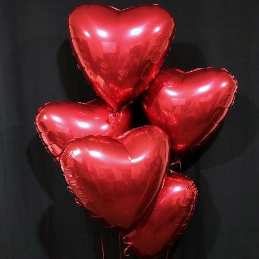 5 красных сердец