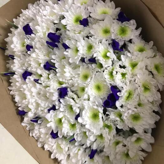 Большой букет из хризантемы и ириса