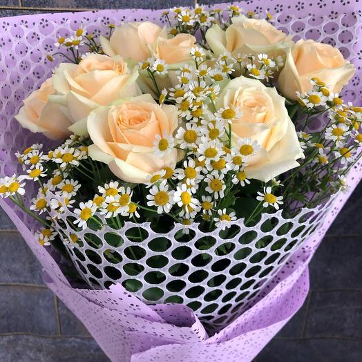 Букет ромашка с розами