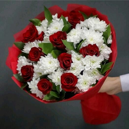 хризантема и роза
