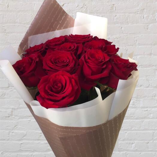 Моно букет из 11 красных роз