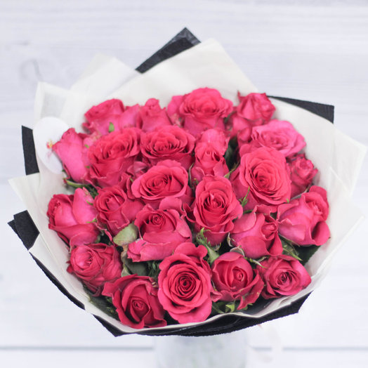 A bouquet of crimson roses: flowers to order Flowwow