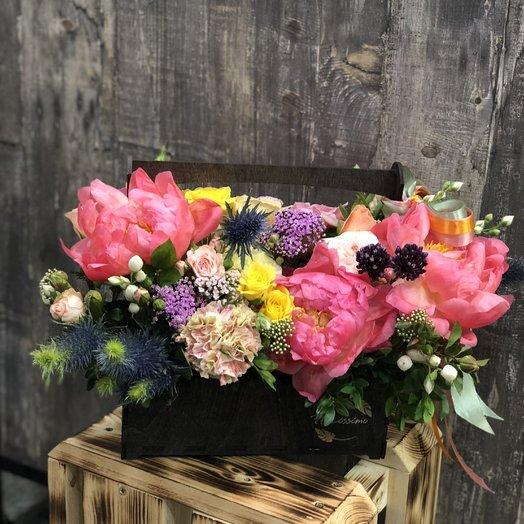 "Букет в коробке ""Виталия"": букеты цветов на заказ Flowwow"