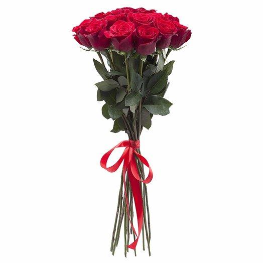 15 эквадорских роз: букеты цветов на заказ Flowwow