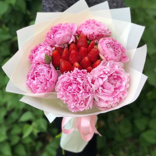 Пионы с секретом: букеты цветов на заказ Flowwow