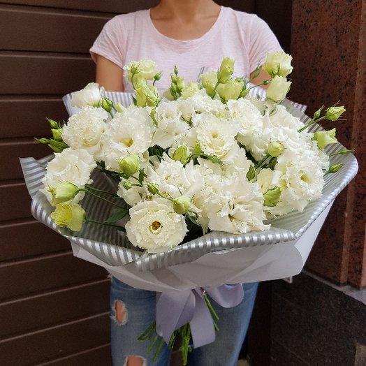 Махровый лизиантус: букеты цветов на заказ Flowwow