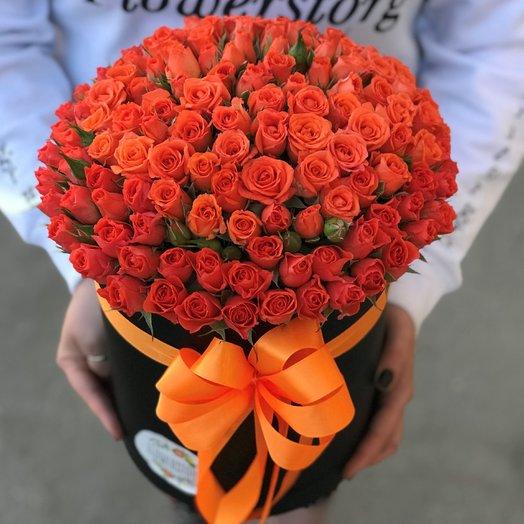 Коробки с цветами. Кустовые розы. N88: букеты цветов на заказ Flowwow