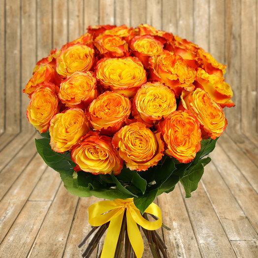 Букет из 25 желто-красных роз: букеты цветов на заказ Flowwow