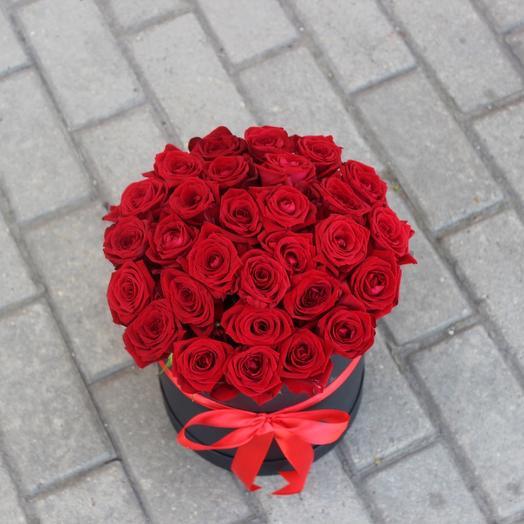 29 Красных роз в шляпной коробке