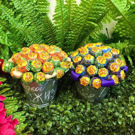 Ведёрко Чупа-Чупсов 🤤: букеты цветов на заказ Flowwow