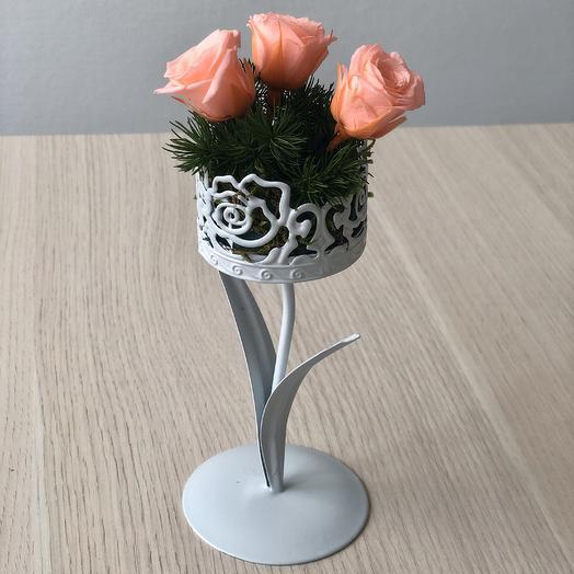 Композиция из неувядающих роз: букеты цветов на заказ Flowwow