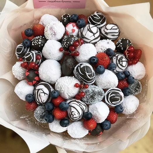 Клубничный букет «снежный сюрприз»: букеты цветов на заказ Flowwow