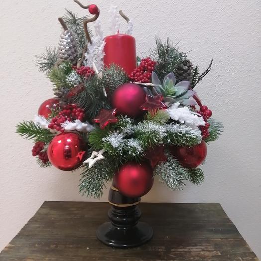 Новогодняя композиция на подсвечнике: букеты цветов на заказ Flowwow