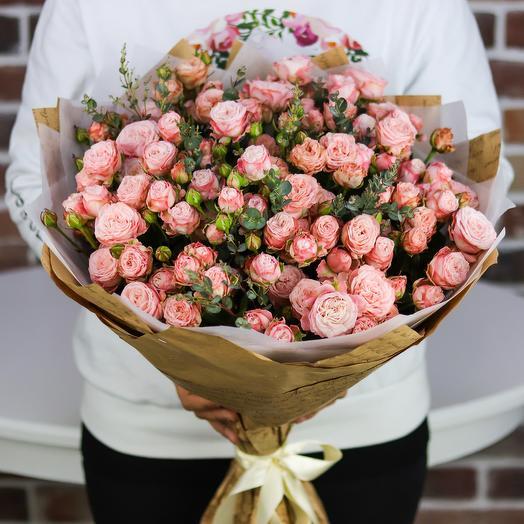 Букет кустовых роз мадам бомбастик N730