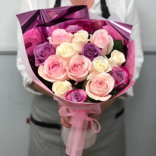 15 роз микс в красивой упаковке