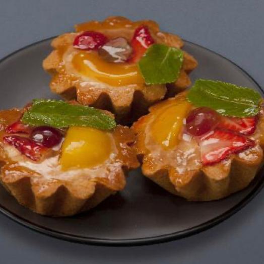 3 фруктово-творожные корзиночки