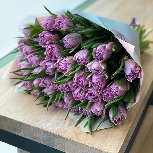 Пионовидные лавандовые тюльпаны