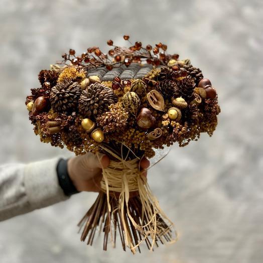 «Хозяйка медной горы» букет с  шишками лиственницы, бадьяном и орехами