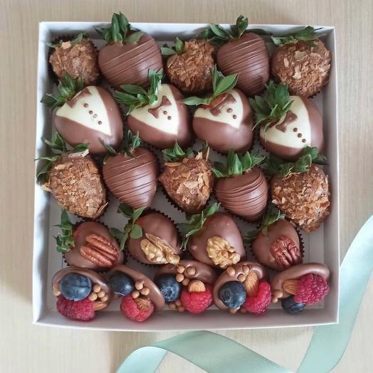 Клубника в шоколаде с медиантами