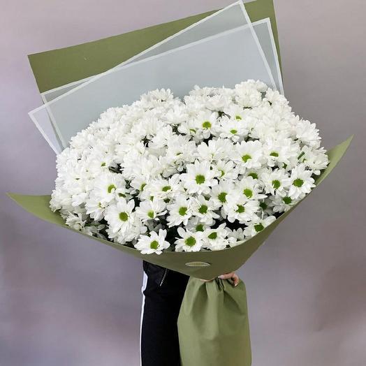 Огромный букет из белых кустовых хризантем