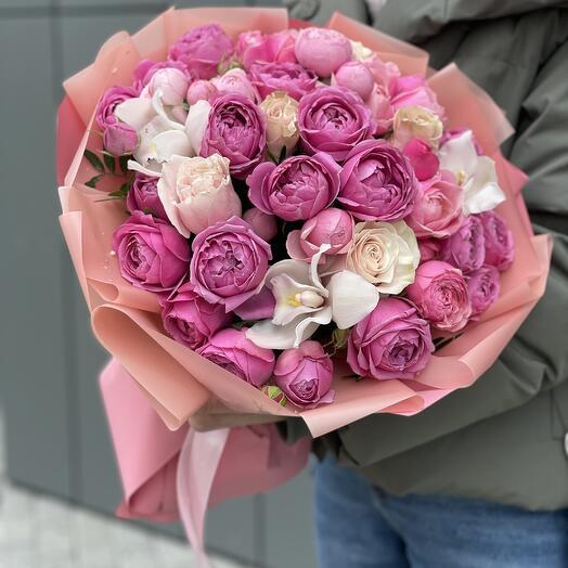 Букет Румяная заря с розовыми розами