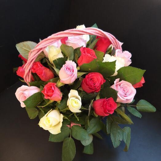 25 роз в корзине 😍