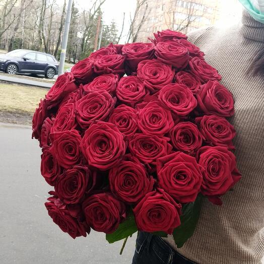 Букет из 37 свежих роз