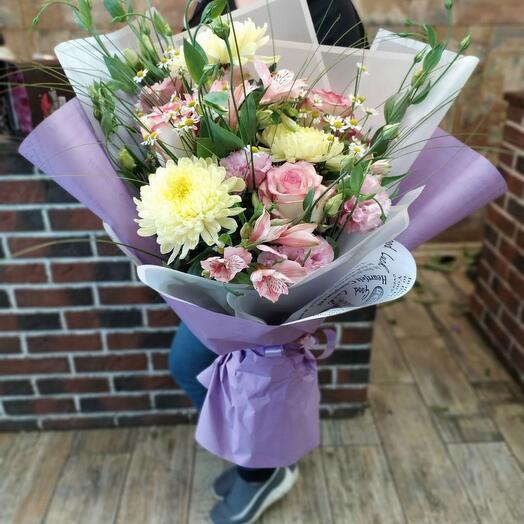 Букет из хризантемы и роз