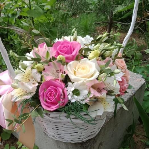 Набивная корзина с цветами