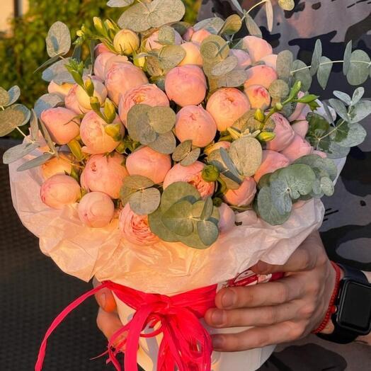 Роза пионовидная в коробке